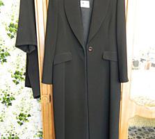 Женские пальто, шубы, костюмы