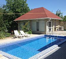 Капитальный дом с бассейном, сауной и просторной беседкой в Вадул луй