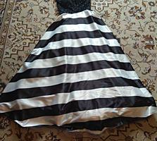 Bечернее, красивое платье в пол.