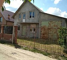 Casa nefinisata mai sus de Dumbrava!