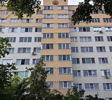 Vind apartament 1 odaie, casa noua, P. Veche - posibil prin creditare