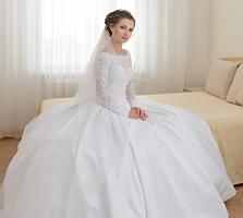 Свадебное платье 42 р, рост 162 см+каблук в отличном состоянии 200 уе