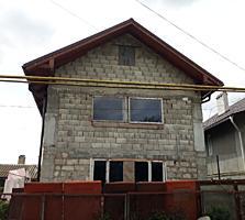Продается 2-этажный дом, вместе с времянкой