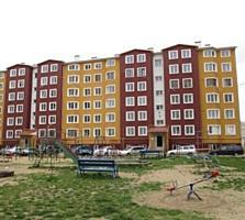3-комн. квартира-пл. 90 кв. м. в новострое на Ларионова, 1/6 эт.