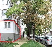 Centru! Apartament cu 2 odăi, seria 143, încălzire autonomă!