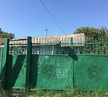 Vind casa - teren 23 ari in orasul Nisporeni/schimb pe apart. Chisinau