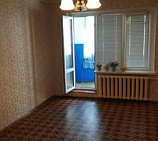 В пгт. Первомайск срочно продаётся 3-ком. квартира +капгараж. Торг!