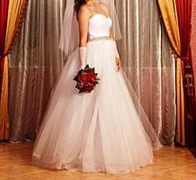 Продам свадебное платье (не венчанное)