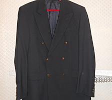 Продам два мужских пиджака размер: 50-52 по 100 лей