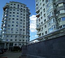 """2-комнатная в центре на Букурешть 96/1 """"Crown Plaza""""."""