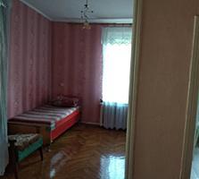 Срочно недорого продам 2-х комнатную в Бендерах. Ленинский.