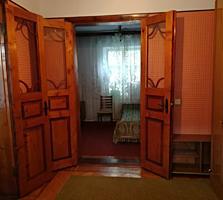 Срочно продаю дом в Парканах для жилья и реализации частного бизнеса.