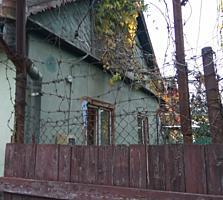 Дом глинобитный, ул. 9 Января. 2 комнаты, удобства Район молокозавода.