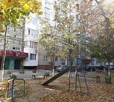 Мирча чел Бэтрын, 3-комн., 143 серия, капитальный ремонт, мебель!
