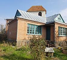 Двухэтажный Дом из кирпича в центре Терновки, участок 10 соток