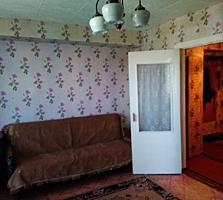 Продается двухкомнатная квартира, Бендеры, центр, Кирова 34, 4 этаж.
