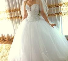 Срочно!!!!! Продам СВАДЕБНОЕ ПЛАТЬЕ, один раз надето, не венчанное.