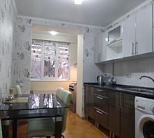 Продаётся двухкомнатная квартира. 4/5. Евроремонт, автономка, мебель.