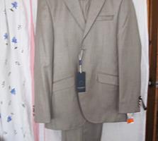 Продам 2 костюма, 2 пальто
