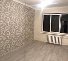 Vind apartament cu 2 odai, 3/9 bilateral, de mijloc.