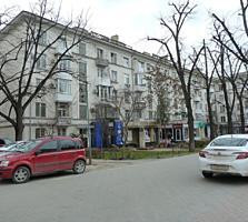Centru, Bulevardul Stefan cel Mare! Apartament cu 3 odăi, etajul 4/5.