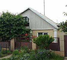 Продам 2_а дома на одном участке с двумя отдельными входами. Торг.