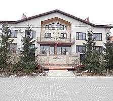 Дом под гостиницу или жильё, 14 соток земли, бассейн, сауна