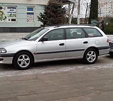 Тойота Авенсис 1,8 бензин 1997г,