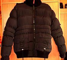 Зимняя женская куртка с капюшоном в отличном состоянии