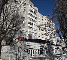 Штефан чел Маре, 3-комн., 3/9 этаж, середина, автономка!