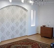 Продаётся дом с хорошем ремонтом выполненным из дорогих материалов.