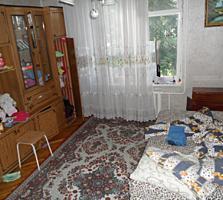 Apartament cu 2 camere, 53 m2, de mijloc, casa din cotileț, reparație