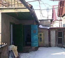 Небольшой домик. Р - он Шелковый, возле Таможни.