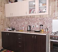 Vind apartament cu 3 odai cu reparatie buna!!! Seria 143! Ciocana.