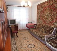 Apartament cu 2 odai la Riscani, stare buna, de mijloc, bilateral.