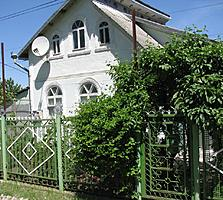 Думбрава, дом 80 м. +мансарда, 10 соток, хорошее хозяйство 36000 евро.