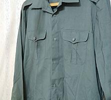 Рубашка военного типа. Абсолютно новая. Прочная, практичная. Размер: 43-44