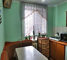 Vând (schimb 3 camere) apartament 2 camere.