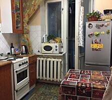 Центр, 1-комн., 35 м2, середина, лоджия из кухни, хорошее состояние!
