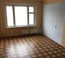 Срочно продам 2-комн квартиру 5/9 середина 24800 евро!