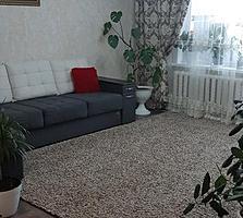 Vind apartament cu 3 odăi euroreparatie 39999€