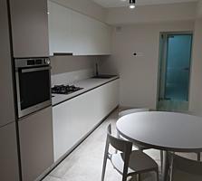 Centru, G. Casu! Bloc nou, apartament cu 3 camere, euroreparatie.