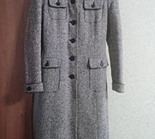 Демисезонное пальто, р. 42-44,
