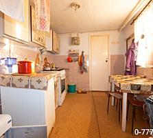 Продается дом ул. 25 Октября, гараж. Можно под нежилое.