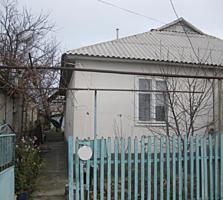 1/2 дома, г. Рыбница ул. Чапаева дом №77, отопление, газ, вода.