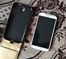 Продам Samsung Galaxy S4.