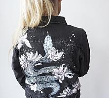 Уникальная джинсовая куртка с ручной росписью на заказ