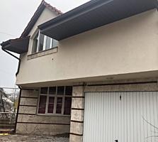 Banca comercială vinde casă nouă de locuit, sect. Centru, 3 nivele, 350m