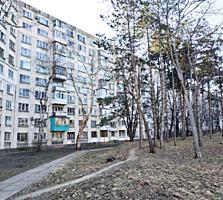 Botanica. In imediata apropiere de parc. Apartament cu 4 camere.