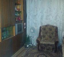 Срочно продам большую комнату в общежитии с мебелью.
